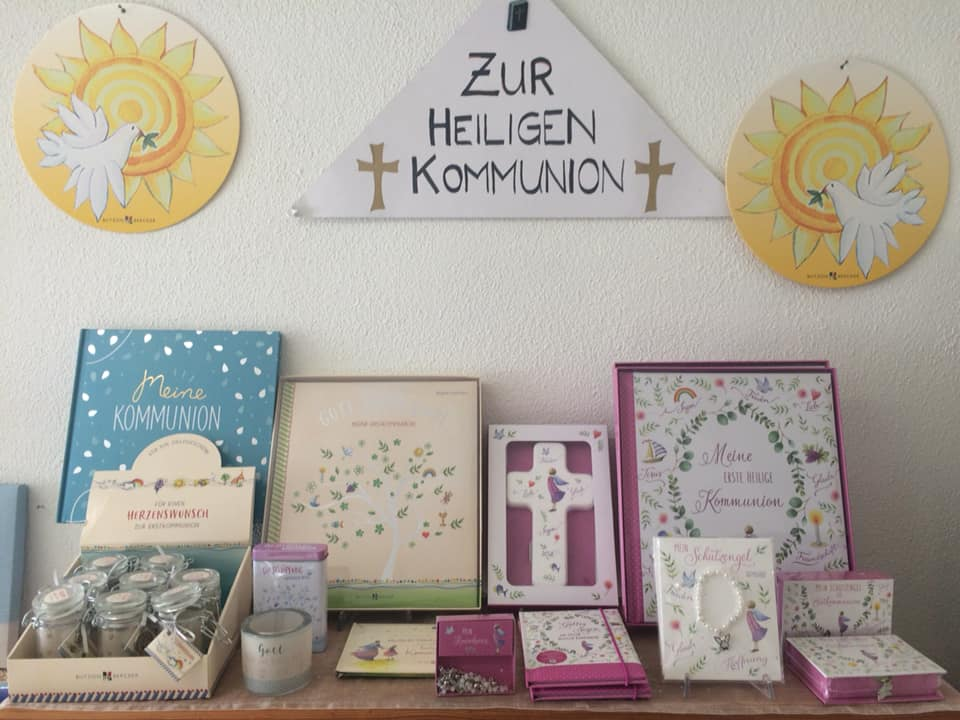 Grosse Auswahl an Kränzli, Geschenksideen, Andenken und Karten ❣️